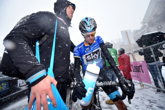 11-Race-leader-Wout-Poels-couldnt-defend-his-blue-jersey.