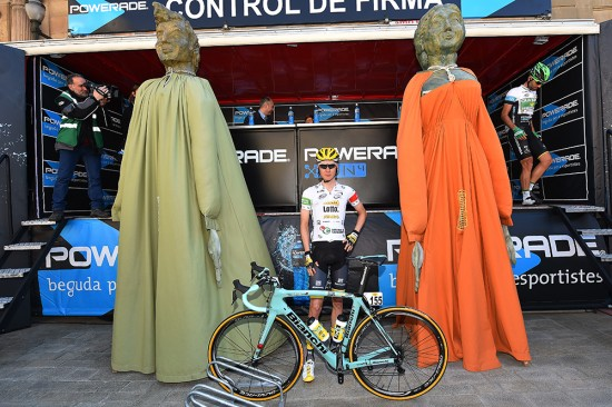 2-Wilco-Kelderman-LottoNL-Jumbo-leads-the-young-rider-classification.-He-stands-a-shade-over-six-foot-but-was-dwarfed-by-these-statues-at-the-start.