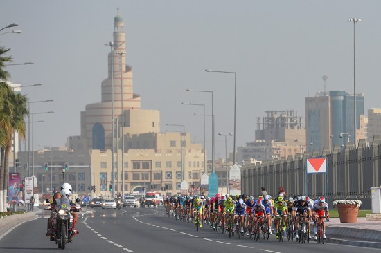 3-In-the-final-circuits-around-Doha-Corniche-the-peloton-raced-past-the-Museum-of-Islamic-Art.